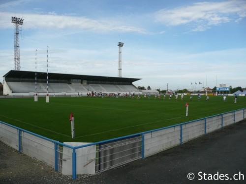 Les stades de rugby, villes de A à D. Angouleme-54_500x375