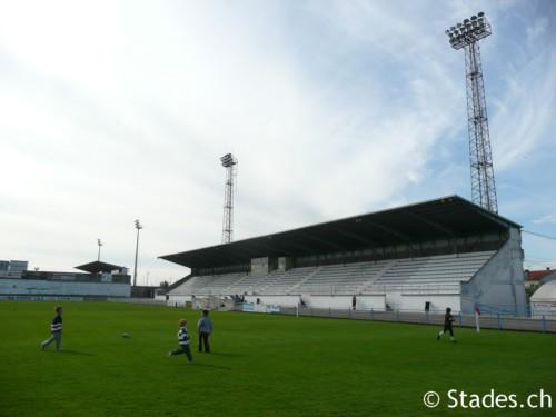 Les stades de rugby, villes de A à D. Angouleme-56_500x375