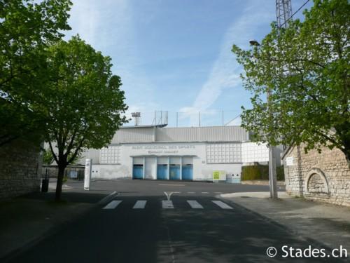 Les stades de rugby, villes de A à D. Angouleme-60_500x375