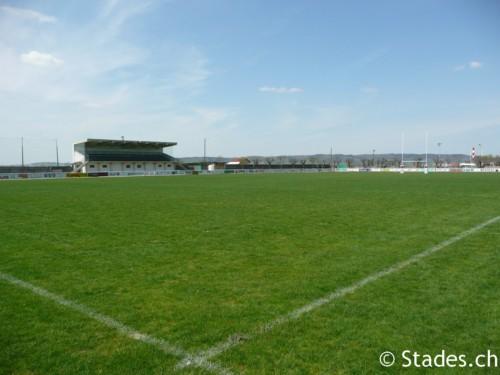 Les stades de rugby, villes de D à P - Page 2 Pontarlier-rugby-8_500x375